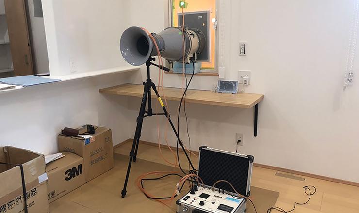 イメージ:気密測定の様子