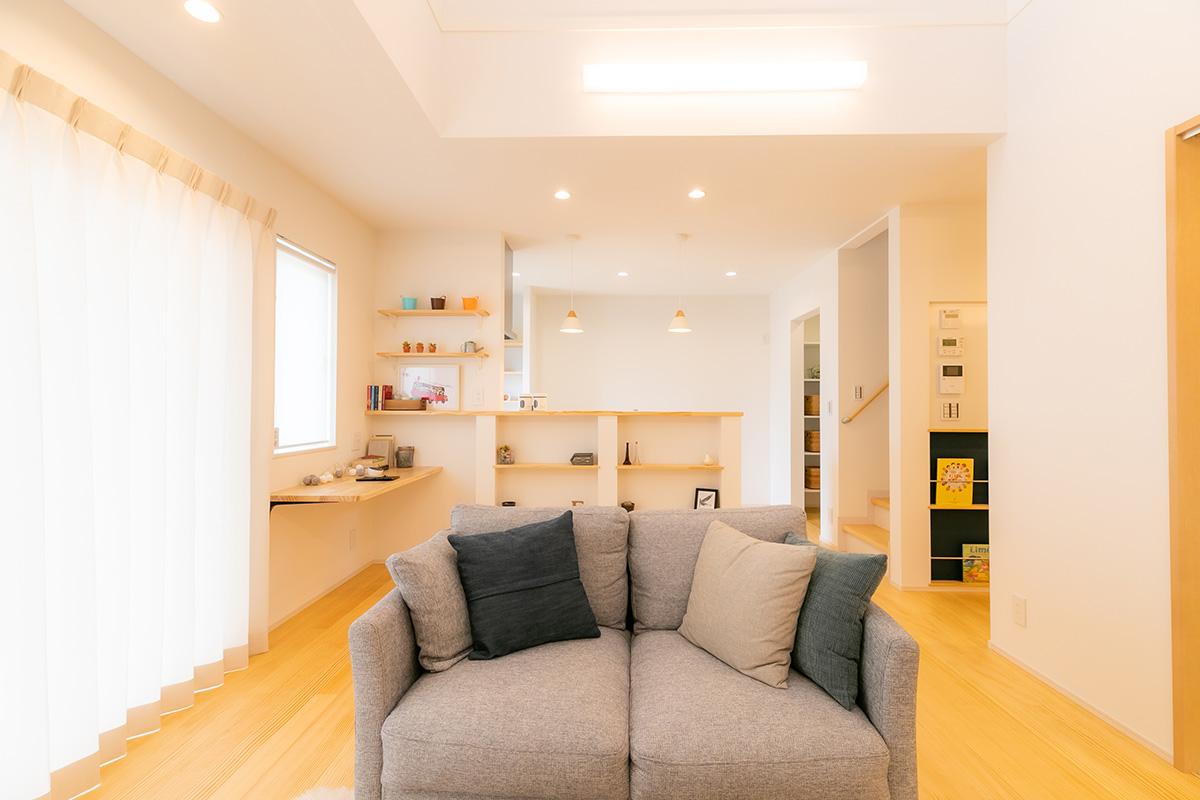 施工事例 / 太陽光と木材の温かみがあふれる家 (東温市T様邸邸)